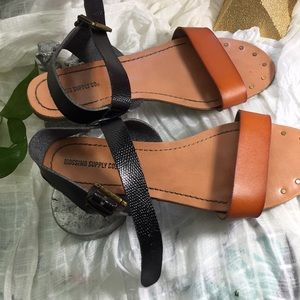 Mossimo Supply Co. Shoes - MOSSIMO SUPLAY SANDALS👡👡❤️